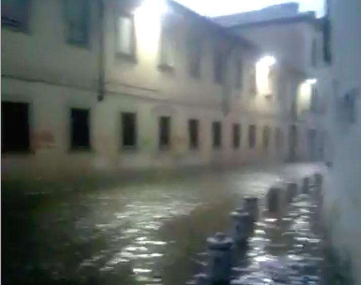 Cernusco bomba d acqua sulla citt strade e box allagati - Gran casa paderno dugnano ...